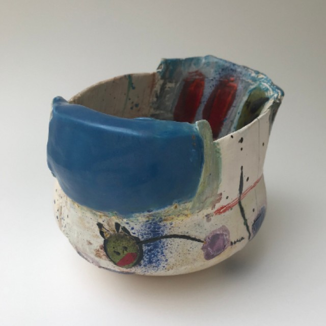 Little pot with figurative detail